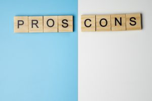 pros and cons of invoice discounting
